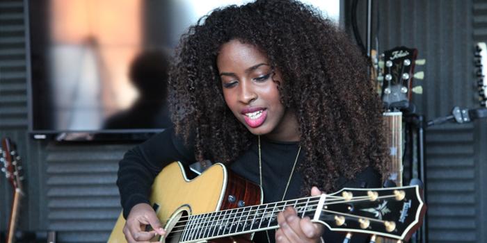 Autumn Sharif – Singer - southeast London
