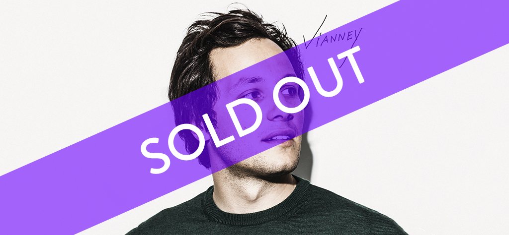 Vianney-Banner sold out